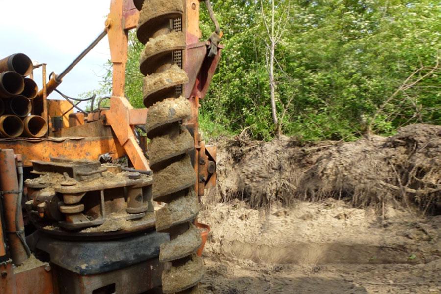 Foto zeigt einen Bohrer zur Bodenprobenentnahme